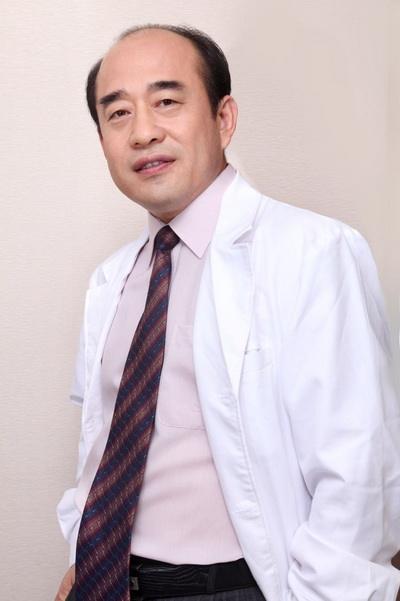 郑永生双眼皮修复案例、价格和技术评价
